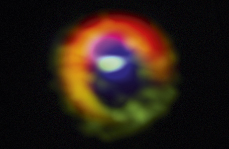 The first observations of special gas streams around HD 142527  demonstrate how  large planets are formed.